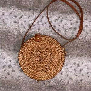 Circle basket tote